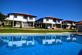 House with sea view in a complex with swimming pool, 3 km from Albena beach.